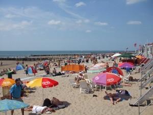 het strand met strandhuisjes