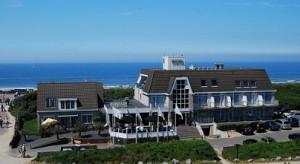 hotel zonneduin kijkt uit over de zee