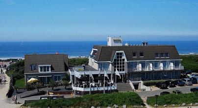 Hotel Zonneduin Domburg kijkt uit over de zee