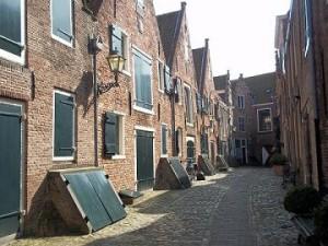 de historische Kuiperspoort is een belangrijke attractie in Middelburg
