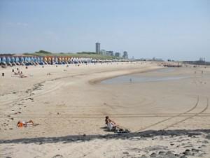 nollestrand met strandhuisjes
