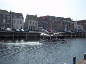 rondvaart door de grachten van Middelburg, Zeeland
