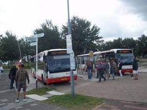 bus op het veerplein van de fast ferry in Breskens