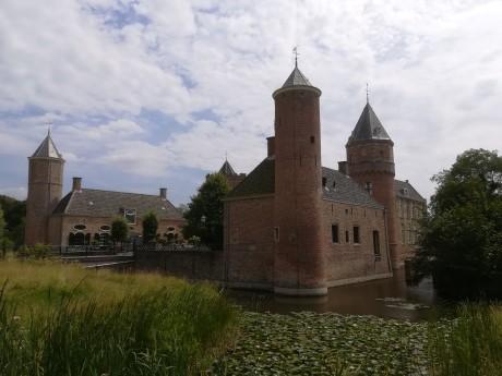 kasteel westhove in domburg zeeland