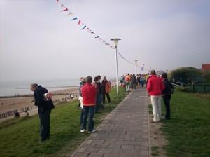kustmarathon over het strand en de duinen