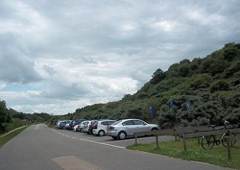 parkeren aan duinweg in dishoek