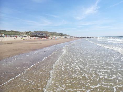strand dishoek bij vloed