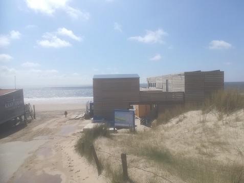 strandwachtenpost Dishoek en strandpaviljoen Kaapduin