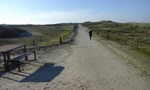 wandelen over de duinen in Domburg Zeeland