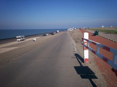 verharde zeedijk
