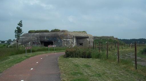 bunkers van 625 type langs het bunkerpad vlissingen middelburg