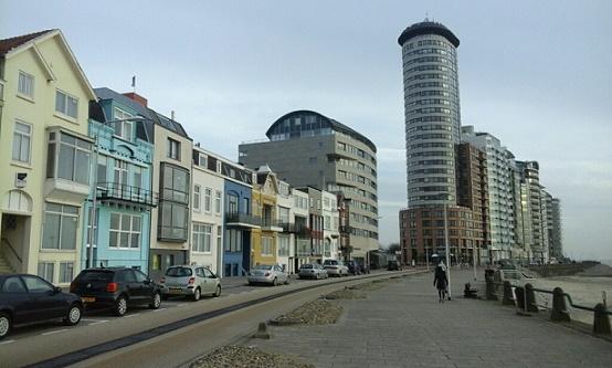 Boulevard Evertsen Vlissingen met de Sardijntoren