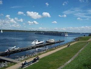 cruiseboot op veerse meer