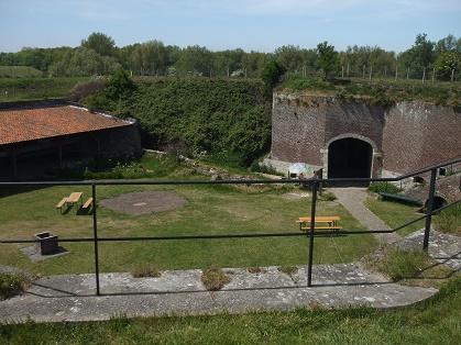 de binnenplaats van Fort Rammekens