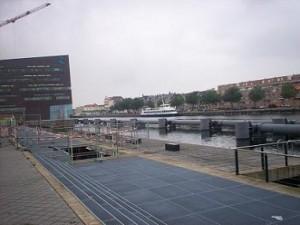het stadskantoor Middelburg ligt aan het Kanaal van Walcheren