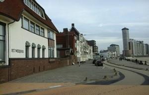 Boulevard Evertsen in Vlissingen met het Wooldhuis