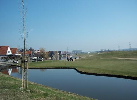 woonwijk mortiere met de golfbaan