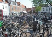 fietsen in centrum stad