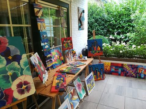 schilderijen in de tuin