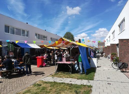 kraampjes tijdens het Molukse festival in Oost-Souburg