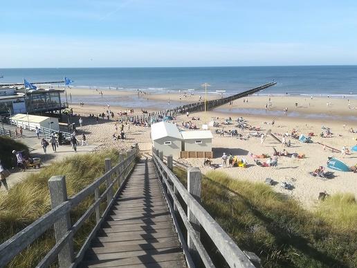 Domburg strand bij Oase
