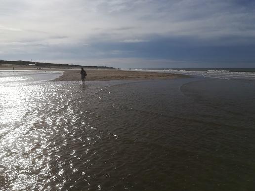 vloed op strand oostkapelle