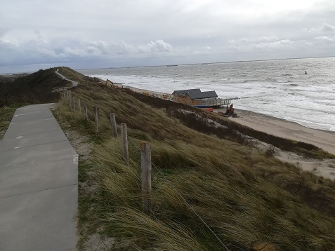 strandpaviljoen Vloed smal strand