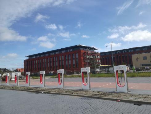 tesla supercharger middelburg valk hotel