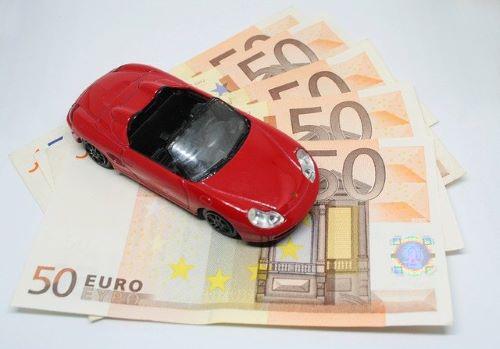 student besparen op autoverzekering