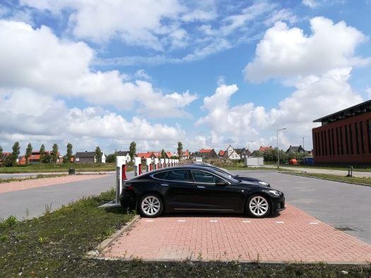 Tesla laadstation Middelburg met 8 superchargers